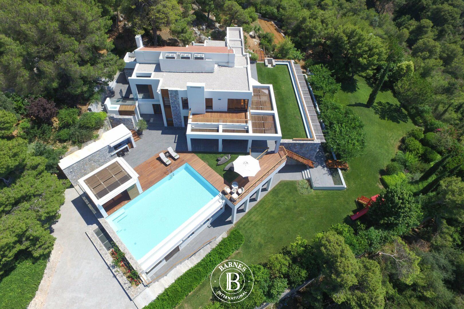 BARNES Greece – Luxury Properties