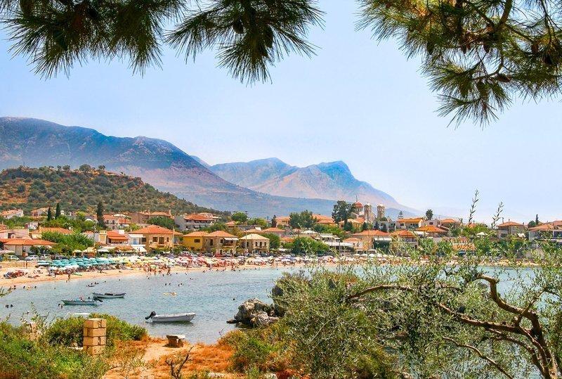 decouverte-peloponnese-grece-zone-cotiere-maisons-traditionnelles-paysages-naturels